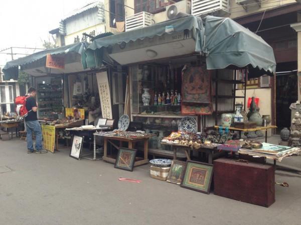 Antique-Market-1